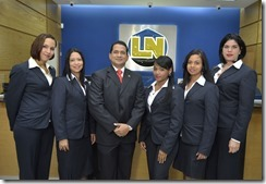 Foto 18 Equipo ejecutivo servicio al cliente Asociacion la Nacional en Galeria 360